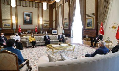 Cumhurbaşkanı Erdoğan, şehit Cumhuriyet Savcısı Kiraz'ın annesi Saadet Kiraz ve babası Hakkı Kiraz'ı kabul etti