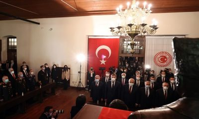 Bakan Akar, Beraberinde TSK Komuta Kademesi ile Birinci Meclisteki Törenlere Katıldı